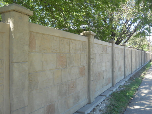Precast Concrete Fencing : What is precast concrete fence